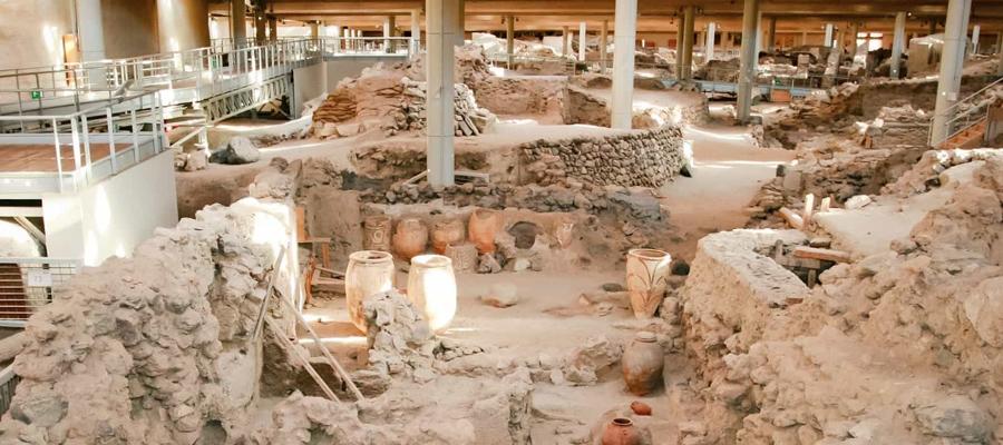 Sítio Arqueológico Akrotiri em Santorini na Grécia