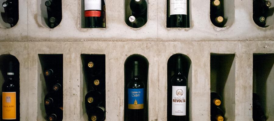 Garrafas de Vinho no Museu do Vinho do Porto em Portugal