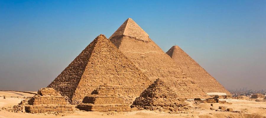 Pirâmides de Gizé no Cairo, Egito